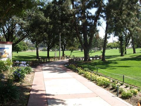 Bell gardens2